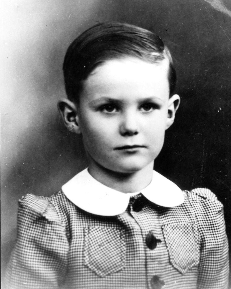 Prins Henrik som ung dreng; Prince Henrik as a young boy. i 1939