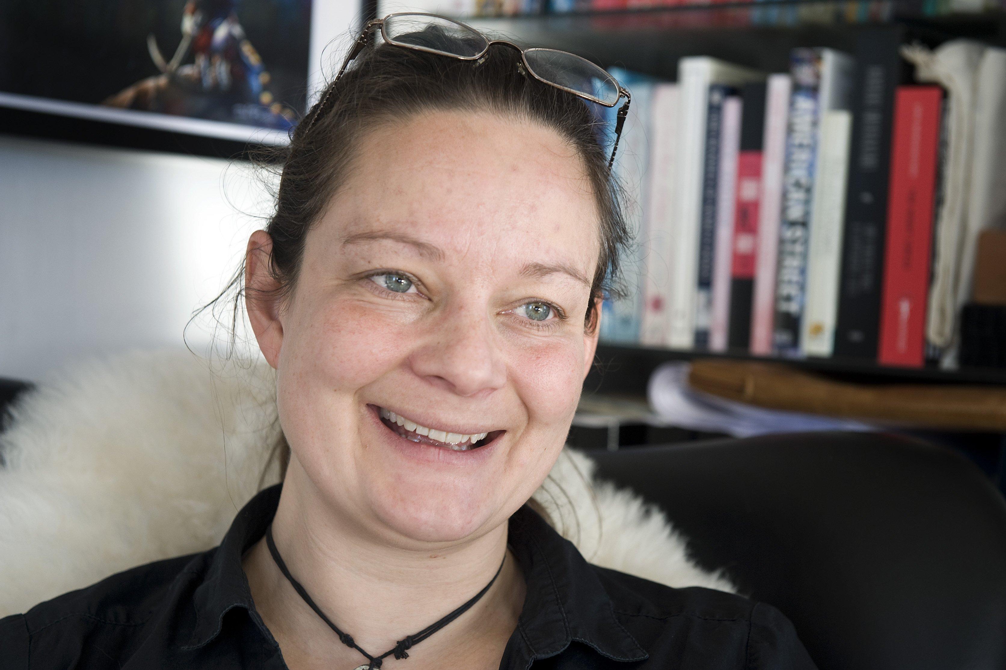Lise Bidstrup skriver hovedsagligt bøger til børn og unge. Hun brænder for at tænde en ild i dem, så de får lyst til at læse og lære. –