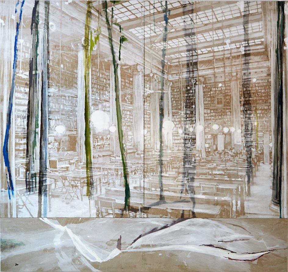 """""""Plads til poesi, viden og tvivl"""" hedder Karen Gabel Madsens store, gådefuldt dragende værk med de mange stole, lamper og bøger."""