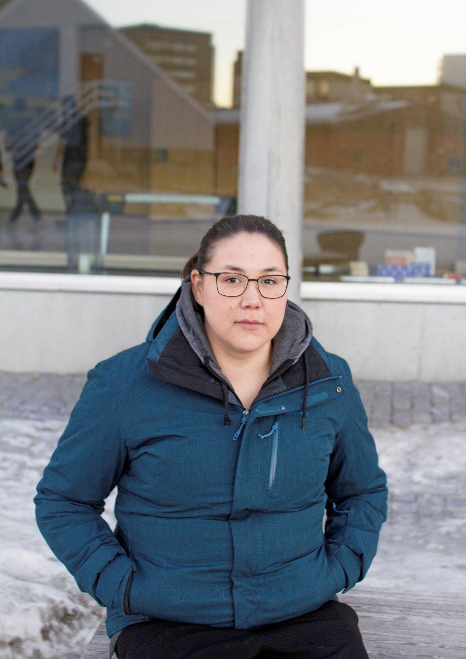 """Niviaq Korneliussen er fast besluttet på at blive ved med at kæmpe for at nedbringe antallet af selvmord i Grønland. Hun har blandt andet oprettet Facebook-siden med titlen """"Imminornerit: 0"""" (Selvmord: 0), som er en bevægelse, der skal sætte fokus på, hvad der efterhånden er blevet beskrevet som en epidemi i Grønland."""