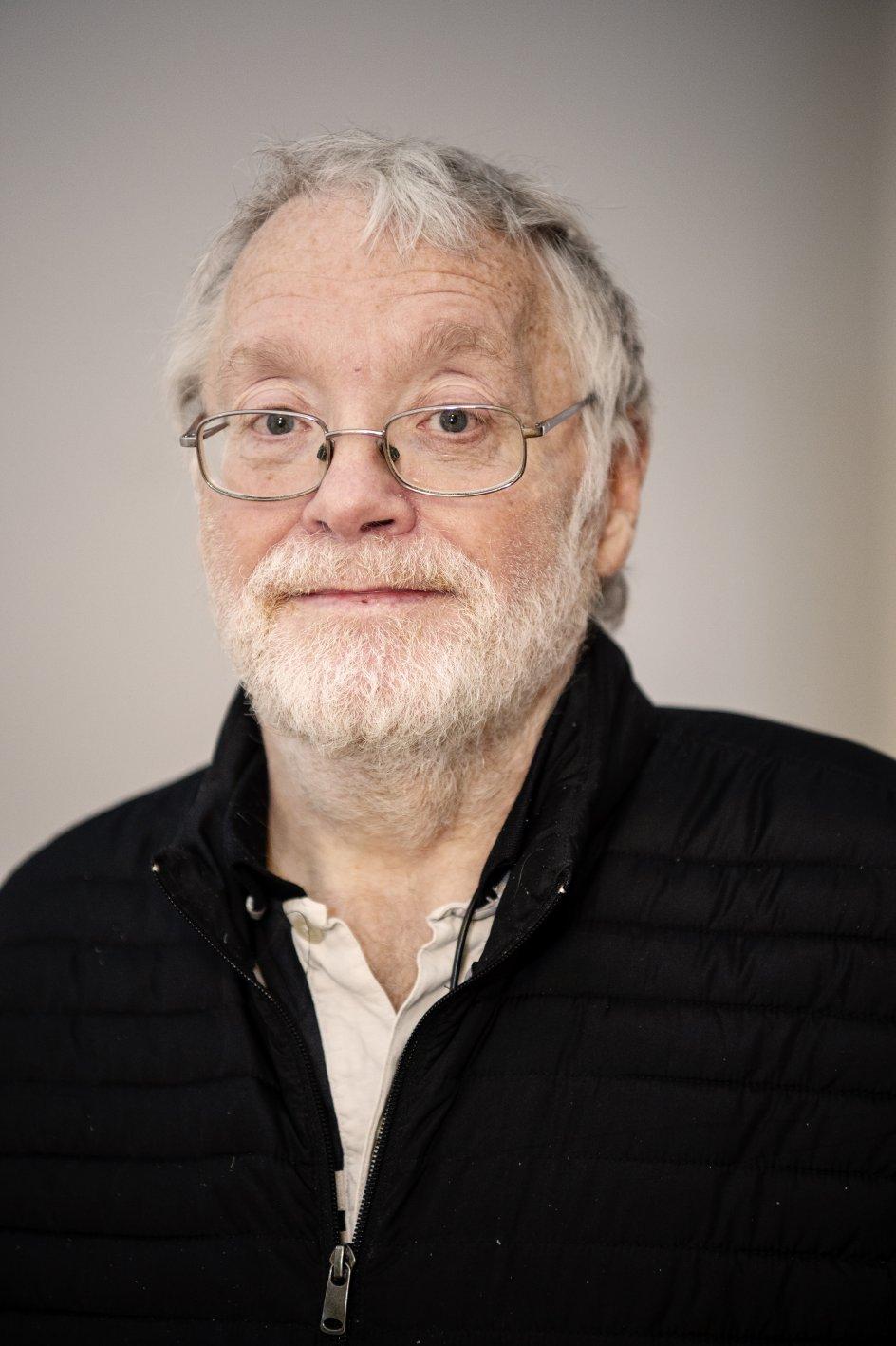 Det Etiske Kompas, Program 6. Live fra Kristeligt Dagblads kantine. Voxpop: Michael Hansen, 67 år og bor i Hundested.