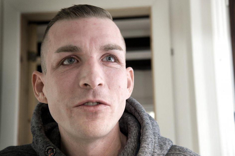 Morten Dam Hansen, offer for vold og i klemme i systemet. Nu førtidspensionist. Fotograferet i hjemmet i Asserbo.