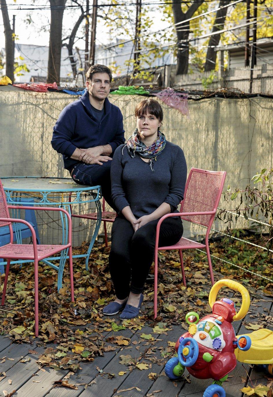 Erika Christensen og hendes mand, Garin Marschall, rejste for tre år siden fra New York til Colorado for at få givet deres ufødte dreng en dødelig indsprøjtning, da de havde fået vished om, at barnet næppe ville overleve mange minutter efter fødslen. Dengang var det ulovligt at få en abort i New York efter 24. svangerskabsuge. –