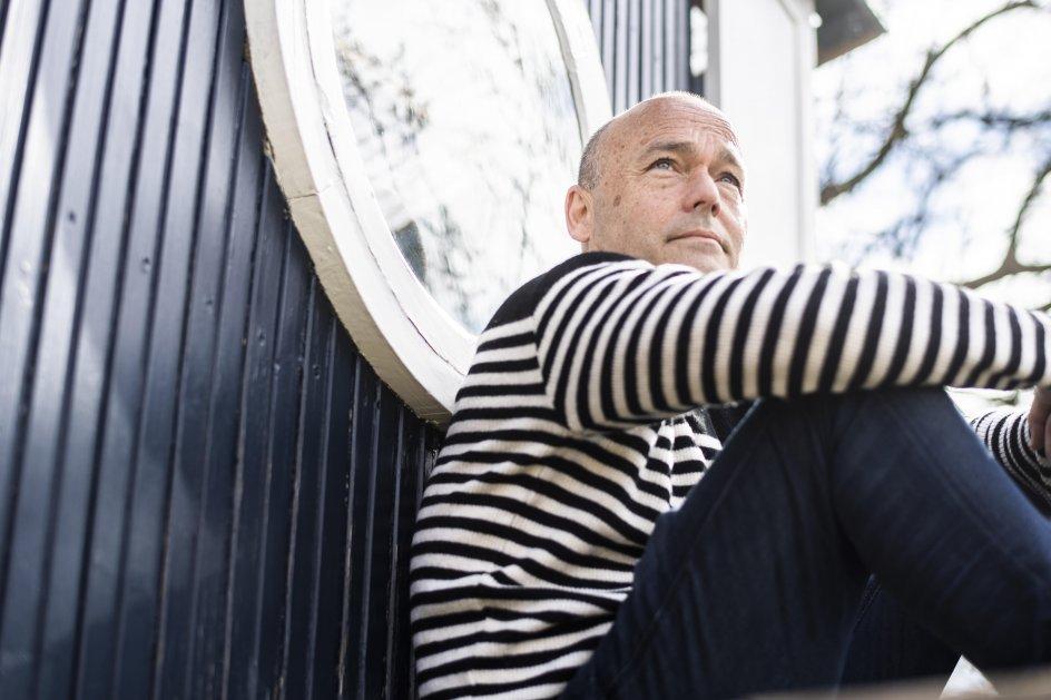"""Interview i anledning af Peter Øvigs nye bog """"Min mor var besat – Da jeg mødte depressionens dæmon"""" – portræt med eller uden miljø"""