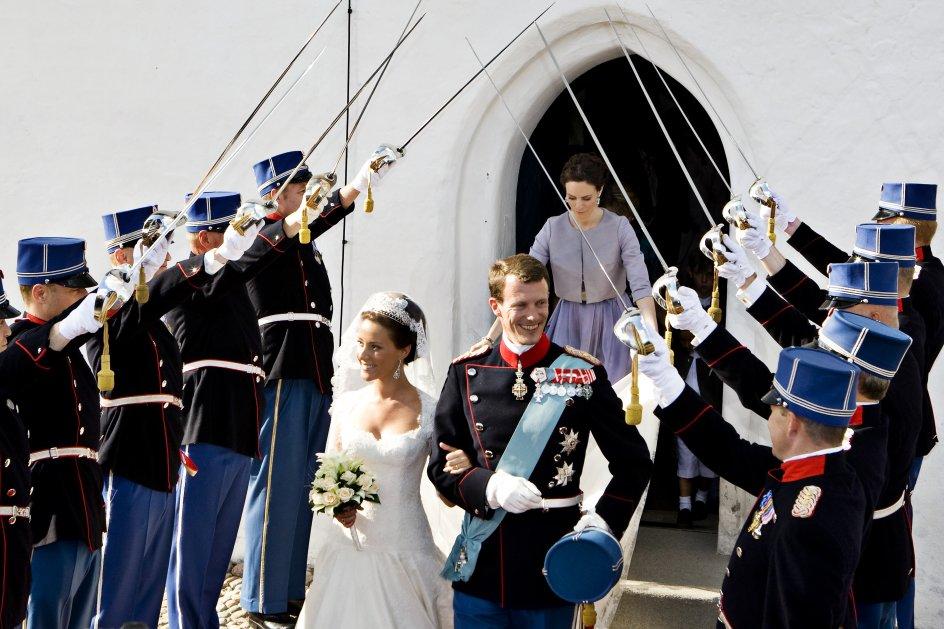 (ARKIV) Prins Joachim og Marie Cavallier bliver viet ved bryllup i Møgeltønder d. 24. maj 2008. Den 7. juni fylder prins Joachim 50 år. Hans liv fortælles her i otte kapitler. Fra skilsmissen, til den nye familie. Fra Schackenborg, til militæruddannelse i Paris. Det skriver Ritzau, onsdag den 29. maj 2019.. (Foto: Søren Bidstrup/Ritzau Scanpix)