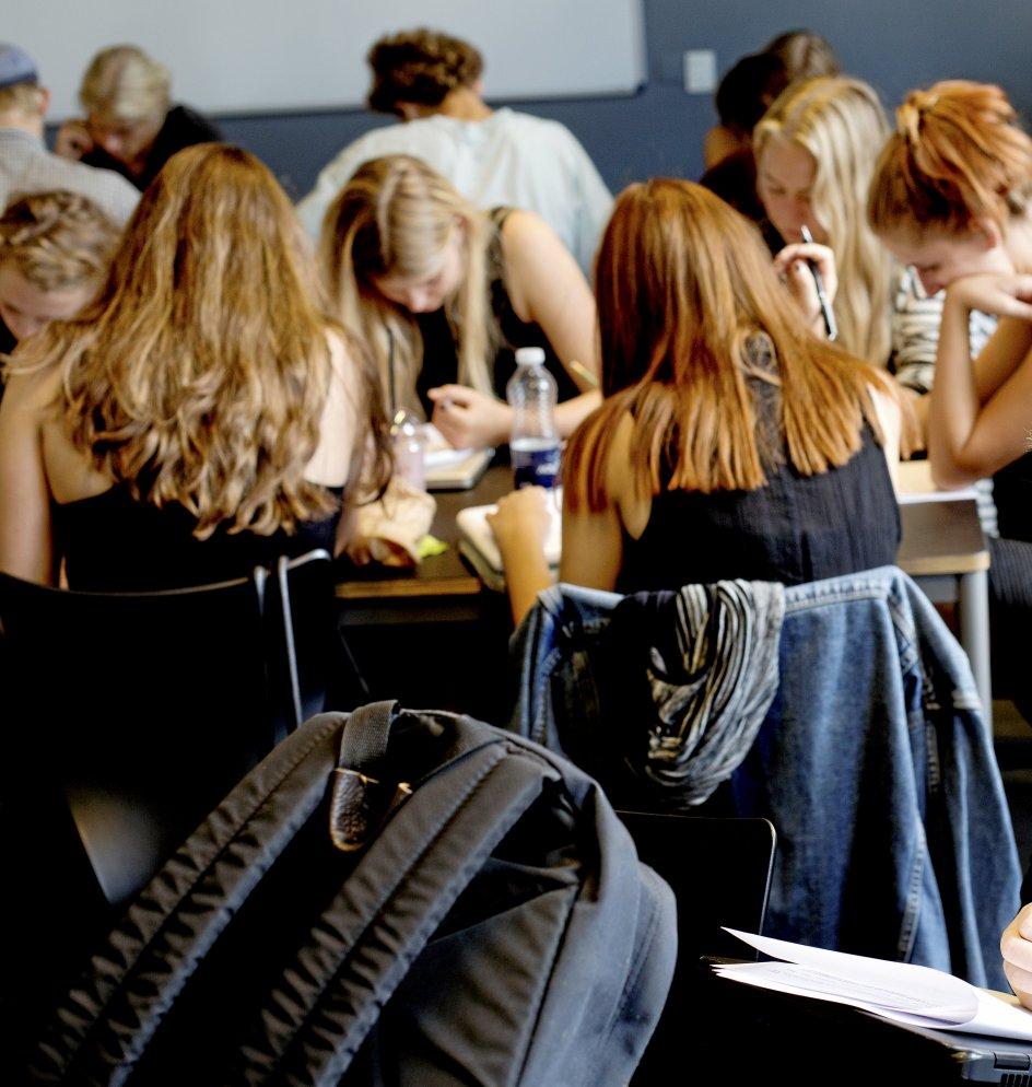 """""""Karaktererne fylder alt for meget i dag. Nye tal viser, at hver fjerde unge i dag føler sig stresset,"""" skriver kommende gymnasieelev. –"""