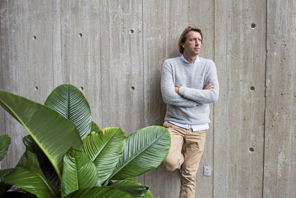 """""""Jeg elsker både melodien og den meget direkte tekst om, at vi er små og har brug for at forstå det,"""" siger Anders Agger om """"Lær mig nattens stjerne"""". –"""