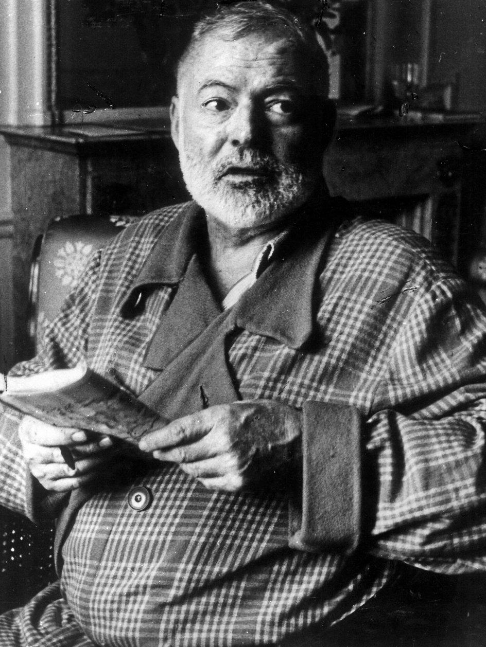 Ernest Hemingway boede flere år i Europa og har også opholdt sig meget på Cuba, men han døde i hjemlandet, USA, i 1961. –