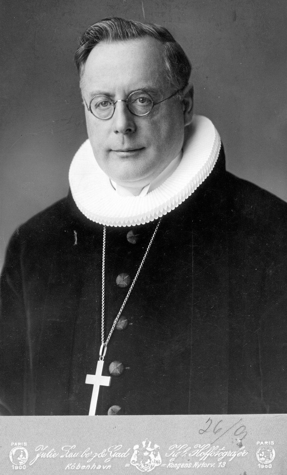 """""""Vi er af den opfattelse, at der burde laves en film om Fuglsang-Damgaards liv, og det vil vi arbejde videre med,"""" skriver dagens kronikører om biskop Hans Fuglsang-Damgaard (1890-1979). –"""