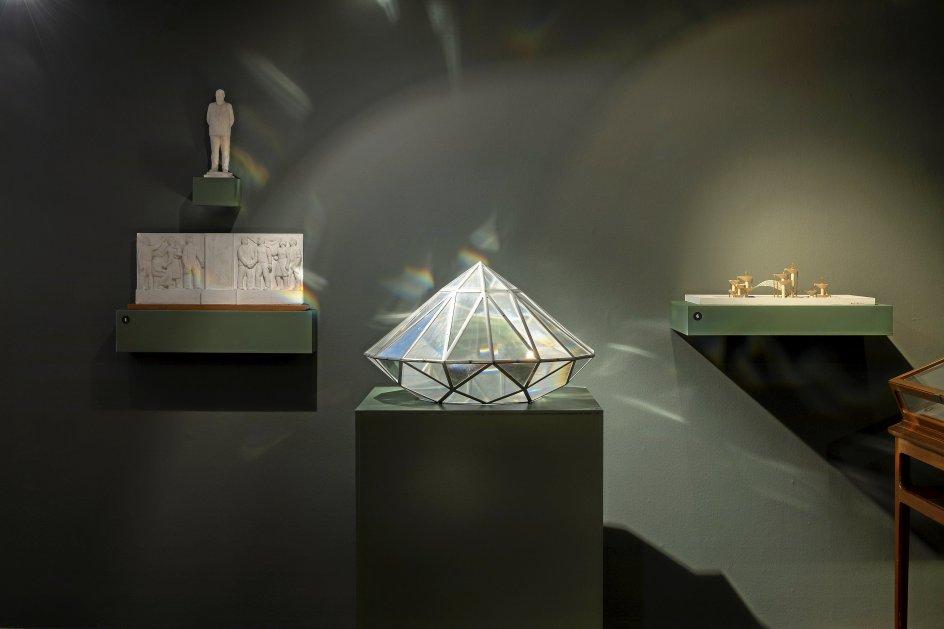 0Per Kirkebys forslag til kunstmuseet ARoS i Aarhus, som vandt andenpladsen, men blev afvist, da værket var for dyrt og havde for stor bygningsmæssig volumen (og måske stilmæssigt lignede Kirkebys egne værker for meget til at være museumsbygning).