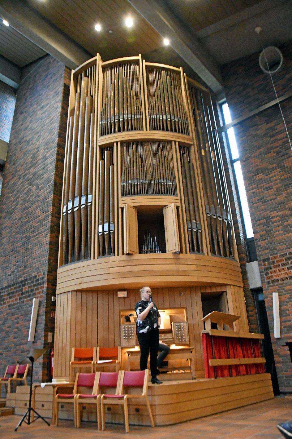 """""""Pasta, piber og pedaler"""" er en bog fyldt med orgelmusik til børn. Udgivelsen blev fejret og markeret med en konkurrence mellem dens 40 kompositioner i Brøndby Strand Kirke."""