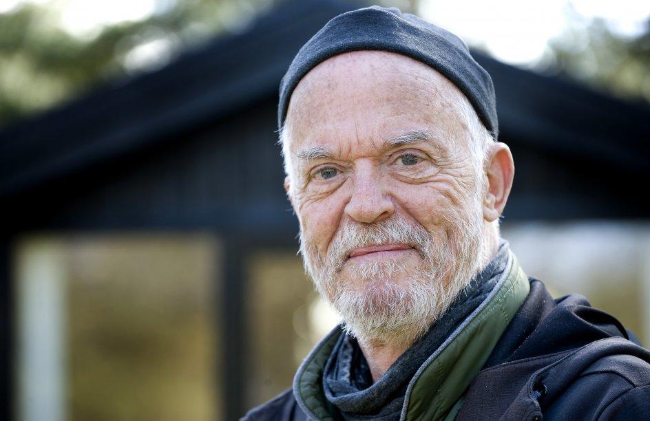 """""""Hvis Gud ikke eksisterede, måtte vi opfinde ham,"""" mener Henrik Jensen med et Voltaire-citat. – Foto: Leif Tuxen."""
