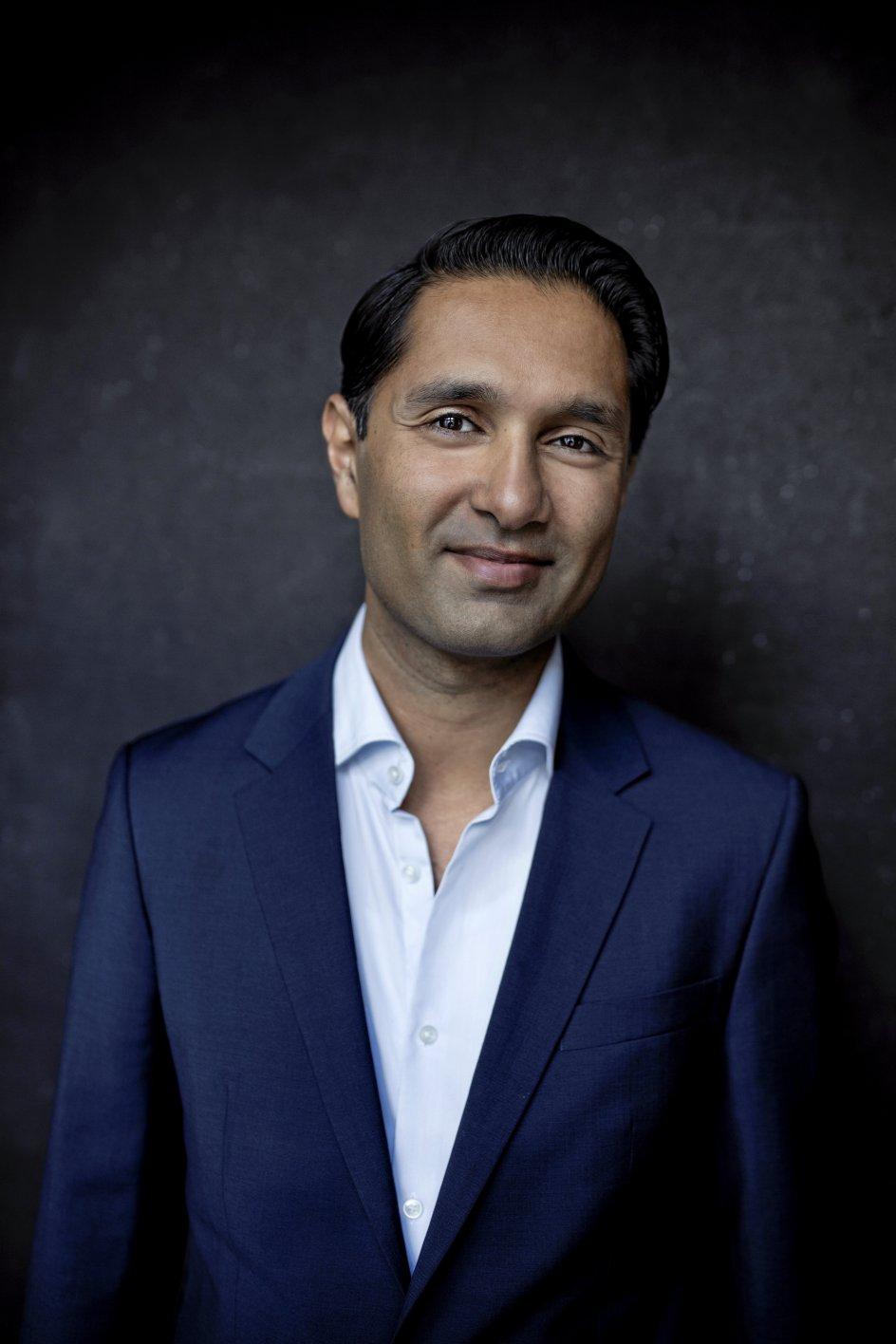 Forfatter, speciallæge og ekspert i digital sundhed, Imran Rashid, tilbyder i sin online lægeklinik lige nu gratis rådgivning til familier og privatpersoner, der ønsker hjælp til at komme ud af coronaens digitale døs.