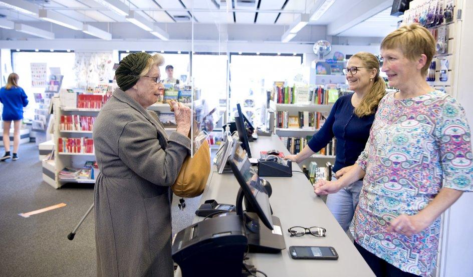 Der handles i boghandlen, der drives af fællesskab og frivillighed tilsat professionalisme.