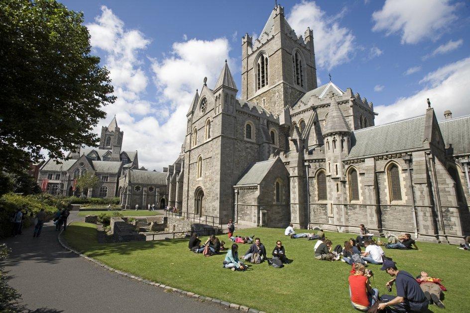 Udover den spektakulære natur har Irland også smukke bygninger som Christchurch Cathedral.