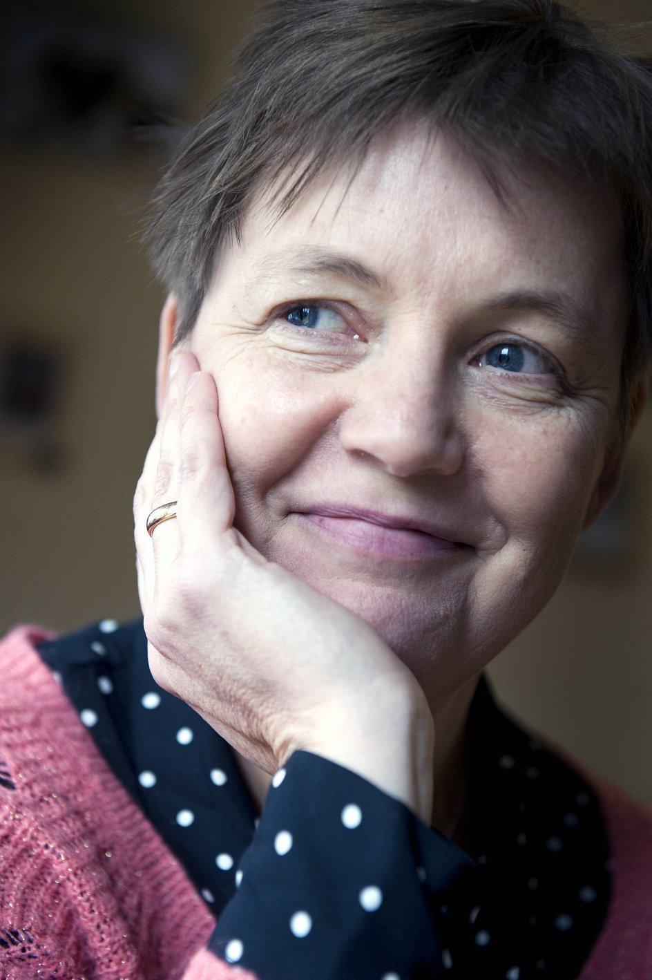 Katrine Marie Guldager, født i 1966, er forfatter til både digte, romaner, noveller, børnebøger og hørespil. – Foto: Leif Tuxen.