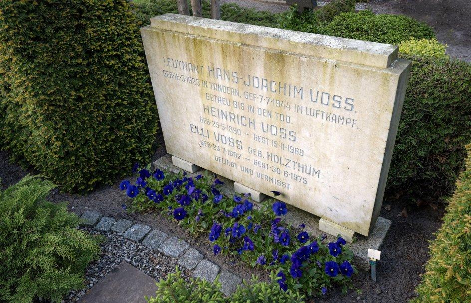 På Tønder Kirkegård er gravminder fra samtlige krige, grænselandet har været indfanget i. I dag er forsoning det vigtigste fokus på kirkegården.