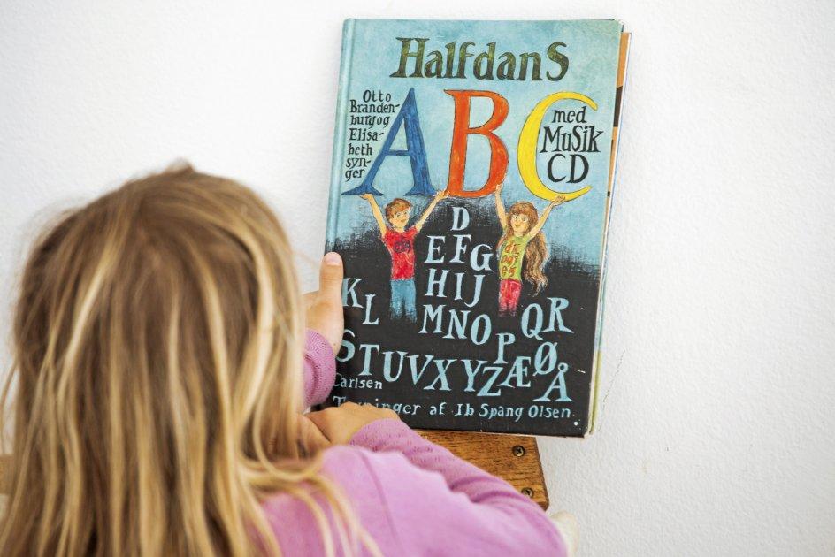 """""""Halfdans ABC"""" var ét blandt flere værker, der i 1967 var med til at revoultionere børnekulturen. – Foto: Thomas Vilhelm/Ritzau Scanpix."""