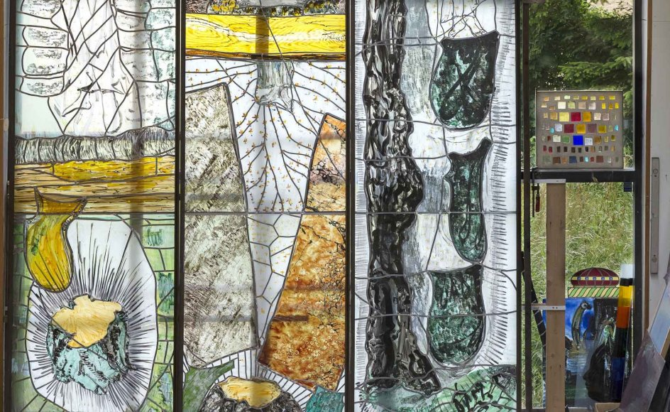 Per Steen Hebsgaards værksted 2016 i Præstø med tre store glasmosaikker af Per Kirkeby. Mosaikkerne tilhører Ny Carlsbergfondet.