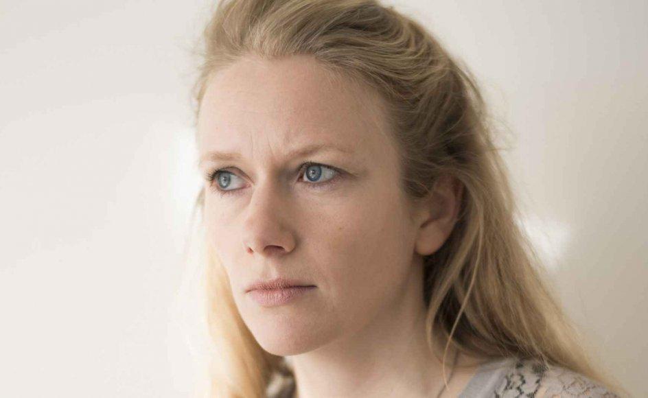 """I april fortalte Marie Høgh Jyllands-Posten, at hun har opgivet sin tidligere modstand mod at vie folk af samme køn. Efter den melding blev hun af tidehvervsfolk blandt andet kaldt """"socialkonstruktivistisk antinomist"""" og """"kulturradikal venstregrundtvigianer""""."""