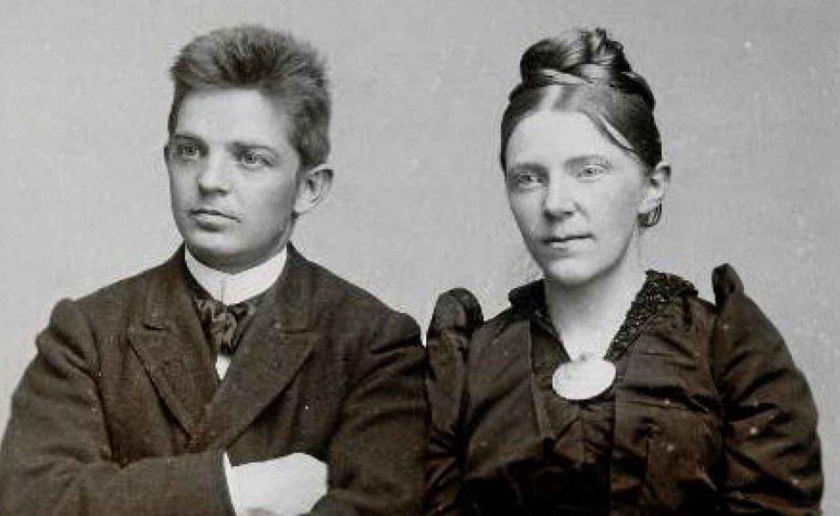"""""""Carl og Marie – kunst og kærlighed"""" rummer et udvalg af breve mellem de to ægtefæller, komponisten Carl Nielsen og billedhuggeren Anne Marie Carl Nielsen."""