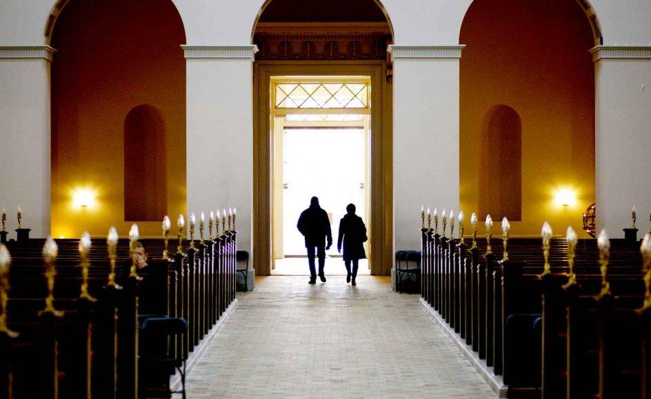 Nu, hvor resten af samfundet begynder at åbne, kan folkekirken følge trop, mener folkekirkens 10 biskopper