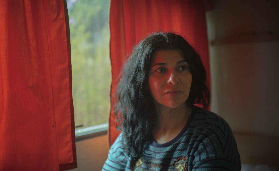 47-årige Razan Haugaard blev giftet bort som 13-årig, hvorefter hun flyttede op i det nordøstlige Iraks bjerge med sin mand, der kæmpede for kurdisk selvstændighed. I dag bruger hun sine erfaringer i arbejdet med indvandrerkvinder i Danmark.