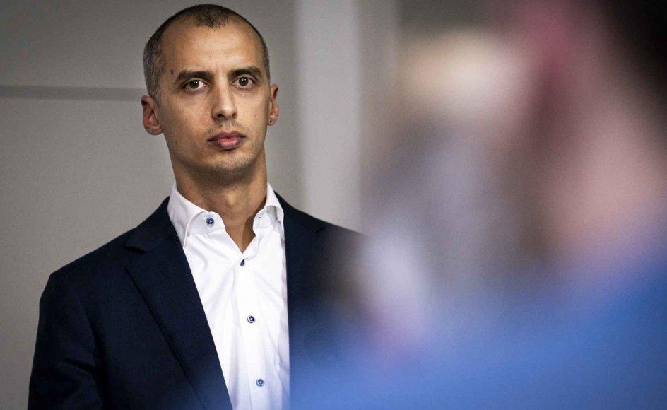 Udlændinge- og integrationsminister Mattias Tesfaye (S) vil ændre regler, så det fremover er muligt at tage repatrieringsstøtten fra udlændinge, der i hjemlandet dømmes for grov kriminalitet.