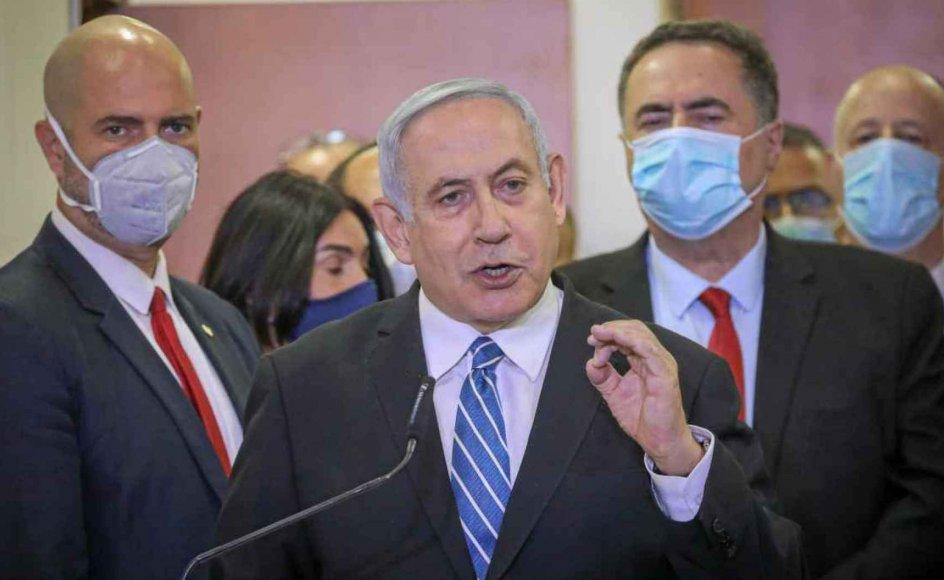 Inden retsmødet kritiserede Netanyahu domstolen, anklagemyndigheden og medier for at føre en løgnagtig konspiration imod ham. – Foto: Reuters/Ritzau Scanpix.