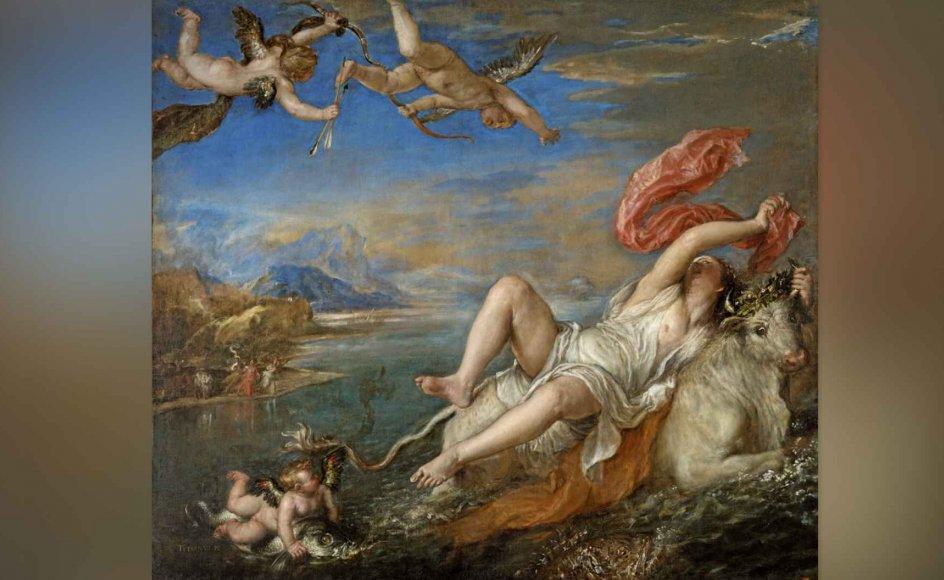 """""""Voldtægten af Europa"""" er den bogstavelige titel på Tizians mesterværk. Den mildere fortolkning er """"Bortførelsen af Europa"""". Motivet er hentet i den græske mytologi, hvor den fønikiske prinsesse Europa, datter af kong Agenor, bliver bortført af den græske gud Zeus, der forklædt som en hvid tyr tog hende, mens hun uskyldigt plukkede blomster på stranden. – Foto: Isabella Stewart Gardner Museum, Boston."""