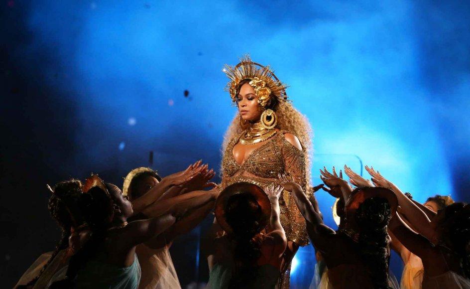 """Popdronningen Beyoncé er helt åbenlyst kristen. Hun tilskriver Gud sine sejre i livet, og børn er hos hende noget, man """"velsignes"""" med. Hun tror på en skabende Gud og på et liv efter døden. – Foto: Lucy Nicholson/Reuters/Ritzau Scanpix."""