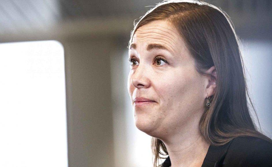 Astrid Krag (S) (billedet) indleder et socialistisk korstog mod samtlige private virksomheder, som yder sociale ydelser til kommunerne, fordi enkelte brodne kar misbruger fællesskabets tillid, mener skribenterne.
