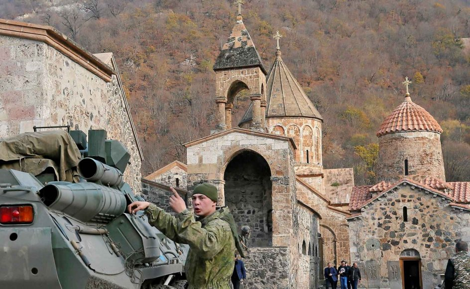 Russiske fredsbevarende soldater ankom i søndags til et armensk-apostolsk kloster i Kalbajar-distriktet,. – Foto: Stringer/Reuters/Ritzau Scanpix.