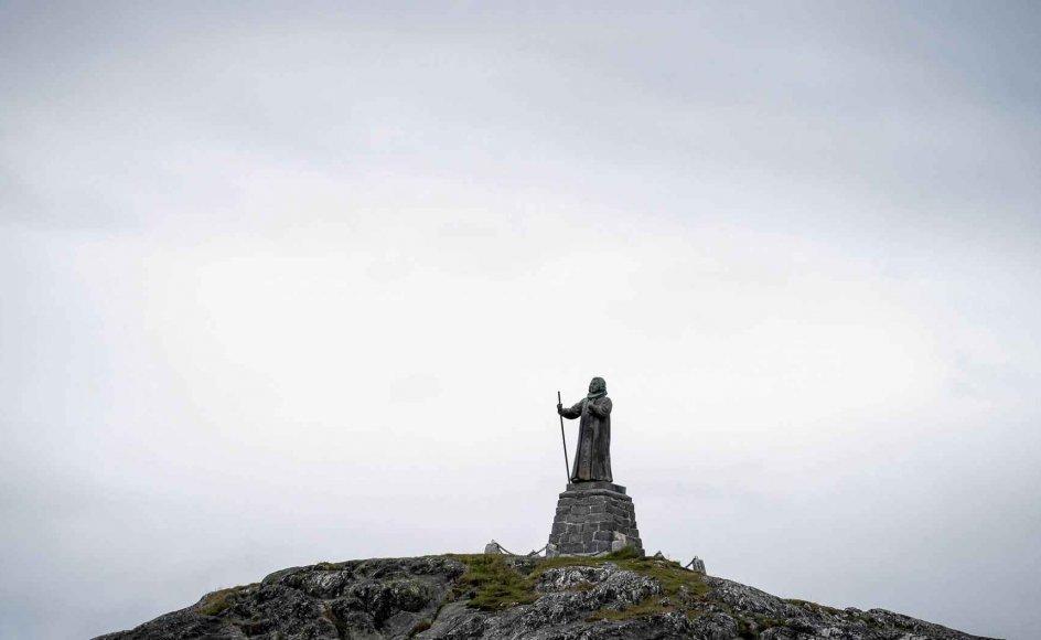 Der har været røre om Hans Egede i årets løb, og kun med snævert flertal blev det vedtaget at lade hans statue i Nuuk blive stående.