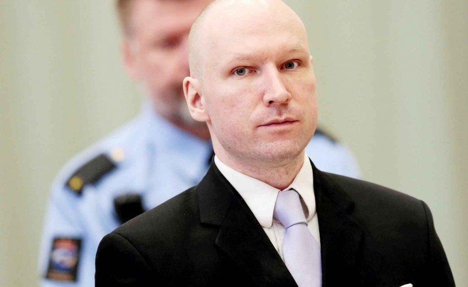 Hvordan ville den norske terrorist Anders Breivik passe ind i kunstprojektet om martyrium, ondskab og det at være helten i sit eget liv på teatret Sort/Hvid? –