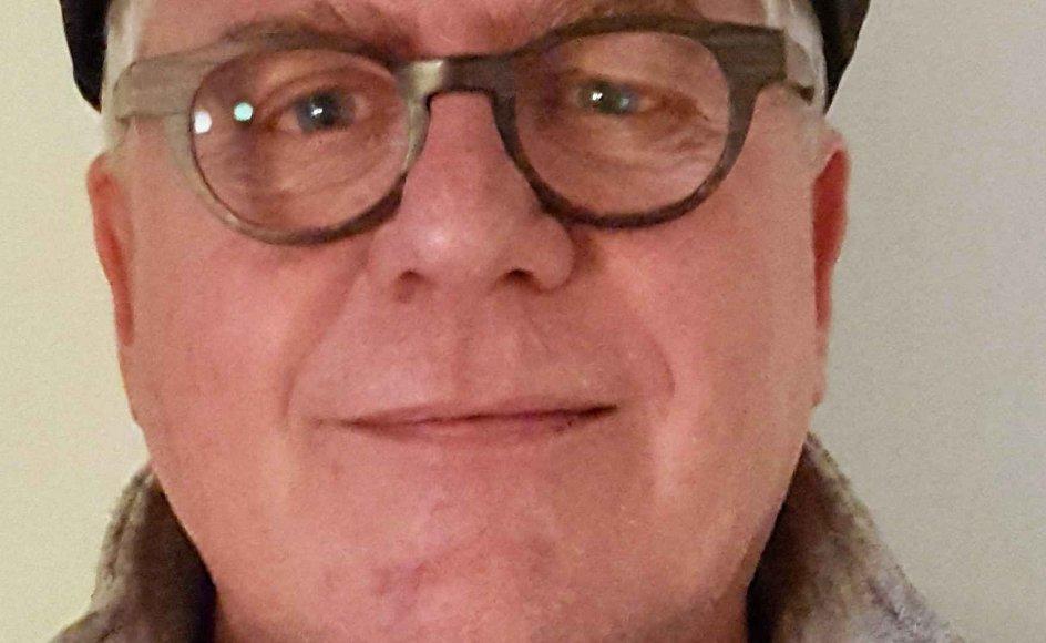John Larsen har levet med sygdommen Alzheimers i fire år. Han efterlyser, at den almindelige dansker møder demente borgere med nysgerrighed frem for undren. Privatfoto.