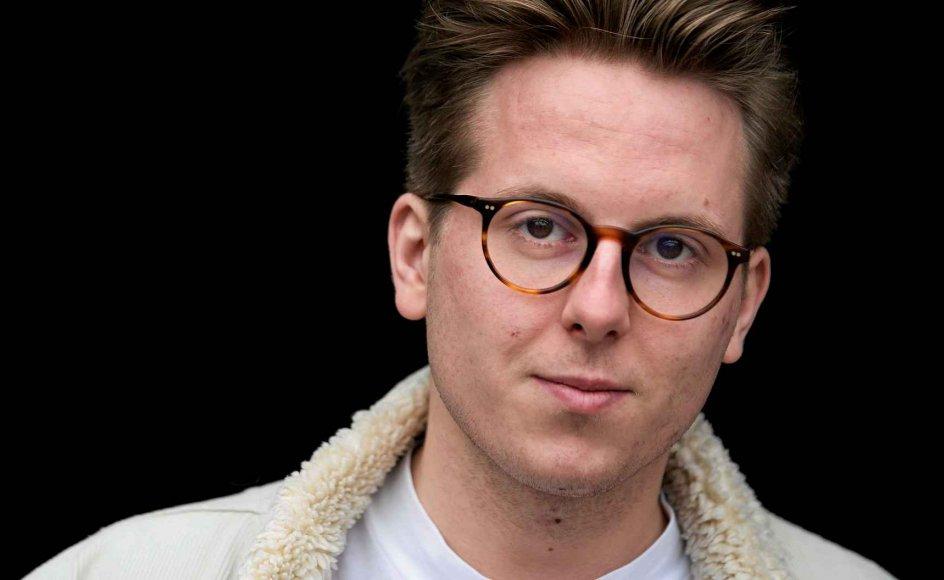 Thomas Korsgaard åbner med sin debutroman døren op for en barsk barndomsverden. –