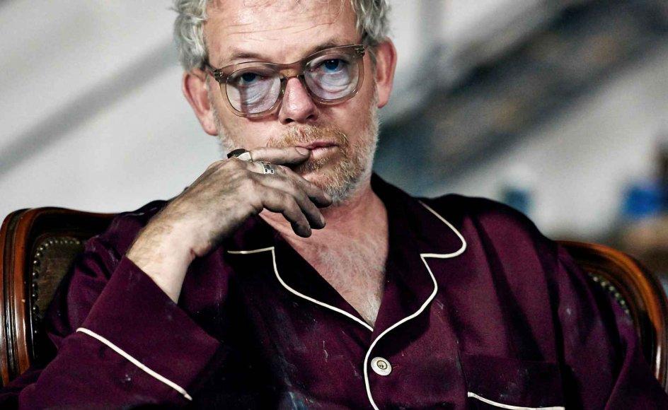 """""""Mesteren"""" virker som en kortfilm blæst op i spillefilmslængde eller som en soap-serie i miniformat. Selv Søren Malling kan ikke redde den kæntrede film. –"""