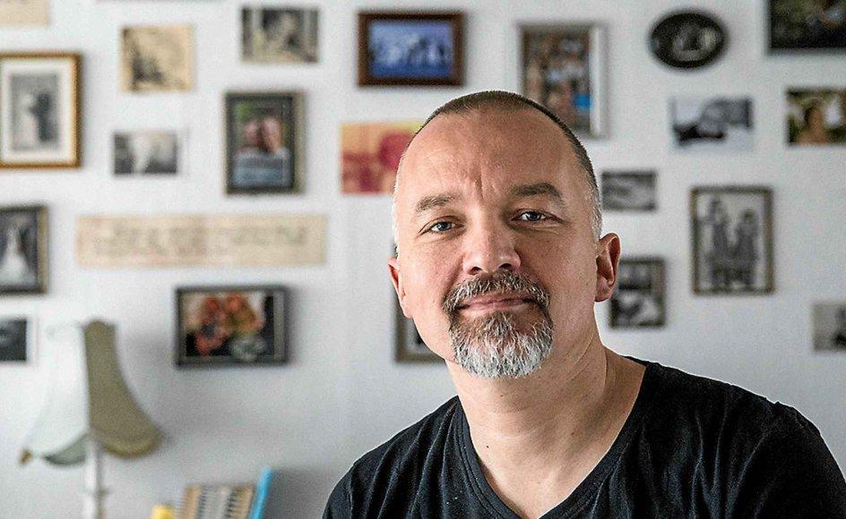 Klaus Højgaard Laursen har gjort det til en levevej at optræde med Bibelen Live og dramatisere de bibelske teksterne. Indtil videre kan han recitere cirka fem timer, og han tror på hvert et ord, han reciterer.