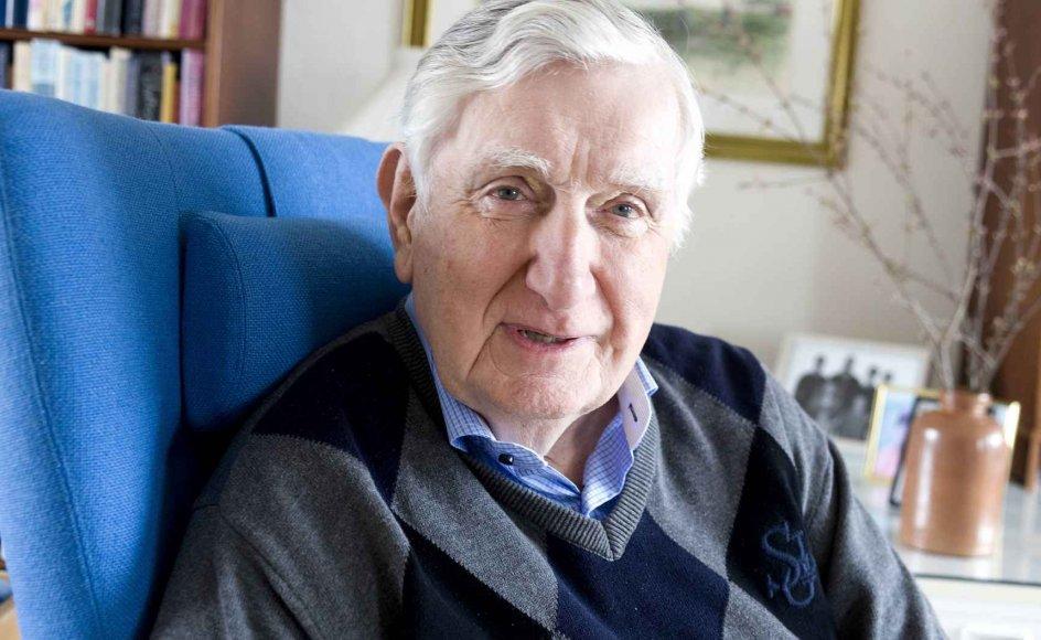 Torben Rechendorff er uddannet lærer og blev siden skoleinspektør, inden den politiske karriere tog fart. –