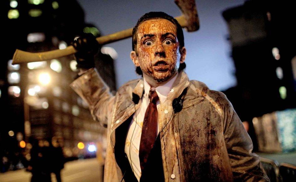 Døden, zombier, blodige gazeindbundne patienter og afhuggede lemmer i plastic. Det meste er tilladt, når man klæder sig ud. Og heldigvis for det, siger en adfærdsforsker. Men grænsen går ved et Anne Frank-kostume. –