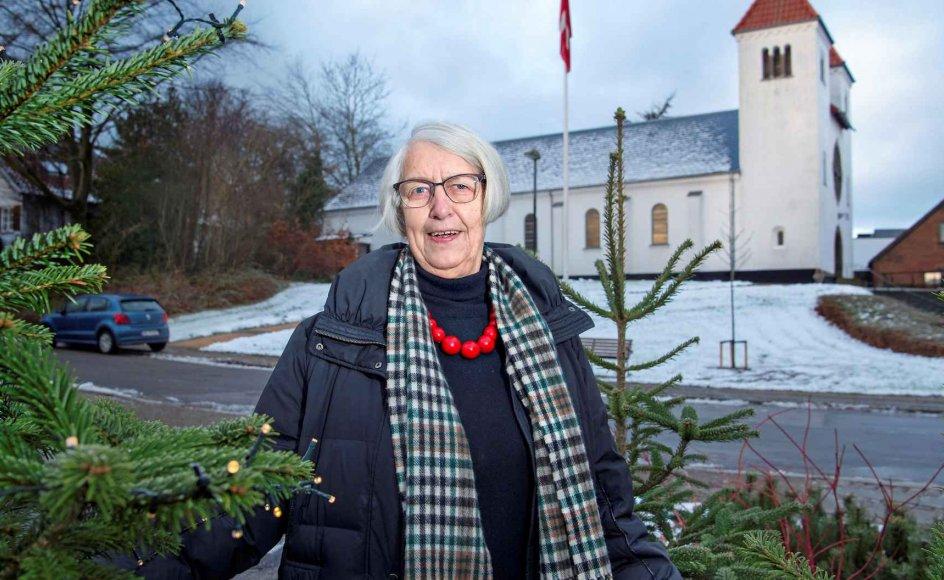 I dag har formand for Holstebro Valgmenighed Karen Bjerre Madsen accepteret juletræer med elektriske lys, men for mere end 50 år siden fik et sådant juletræ hendes humør helt i bund. –