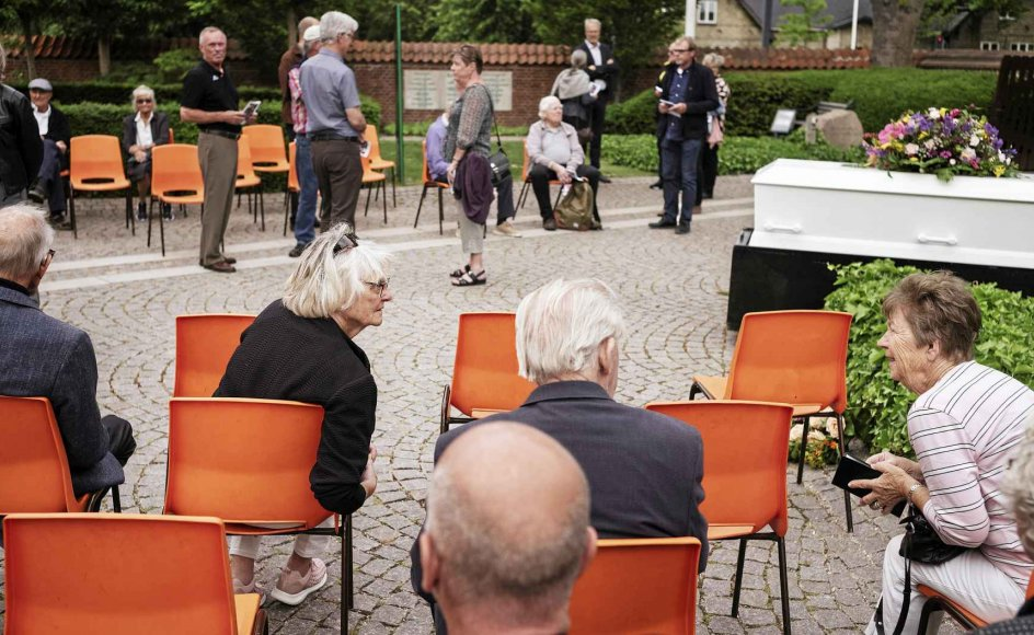 Kirkens store orgel blev erstattet af et elektronisk orgel med højtaler i dagens anledning.-Foto: Asbjørn Sand