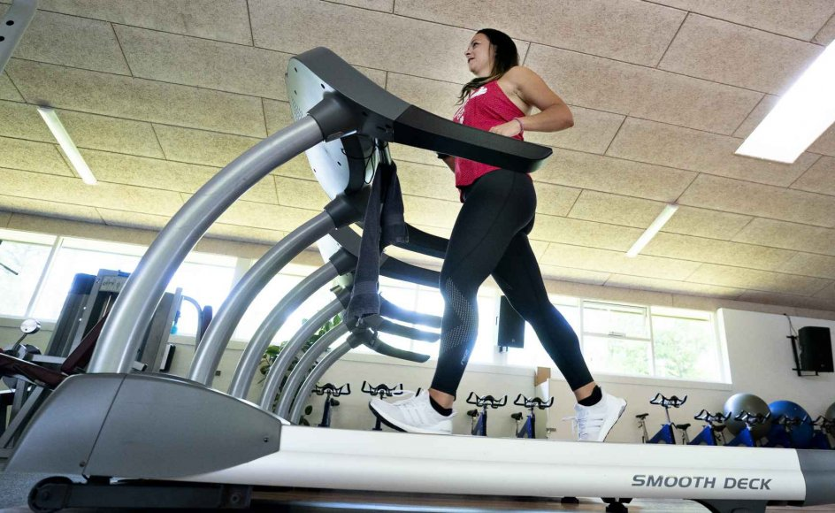 Fitness er bare én måde at bevæge sig på. Havearbejde eller cykeltur til job nogle andre. For første gang kortlægges danskernes samlede bevægelsesvaner i en ny omfattende undersøgelse. (Arkivfoto)