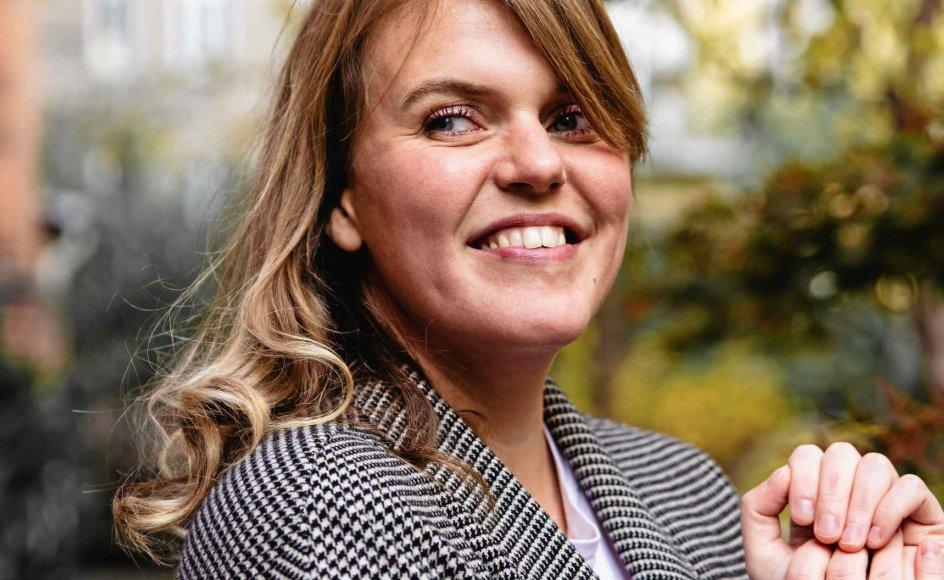 Katrine Muff Enevoldsen er 35 år og komponist, korleder og sanger. Hun  er netop debuteret i Højskolesangbogen med fem melodier. – Foto: Barbara Nolsøe.
