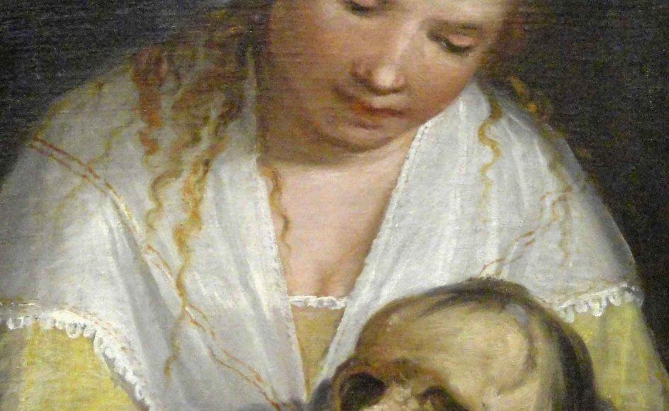 """""""På en måde er hele menneskehedens historie én lang bestræbelse på at løse dødens gåde,"""" skriver Kjeld Holm. Her ses Alessandro Casolanis (1552-1606) """"Ung kvinde som betragter et kranium"""" fra 1591, som kan ses på Statens Museum for Kunst i København. Også de helt unge har op gennem historien skullet betænke, at de en dag skal dø. – Foto: Wikimedia Commons."""