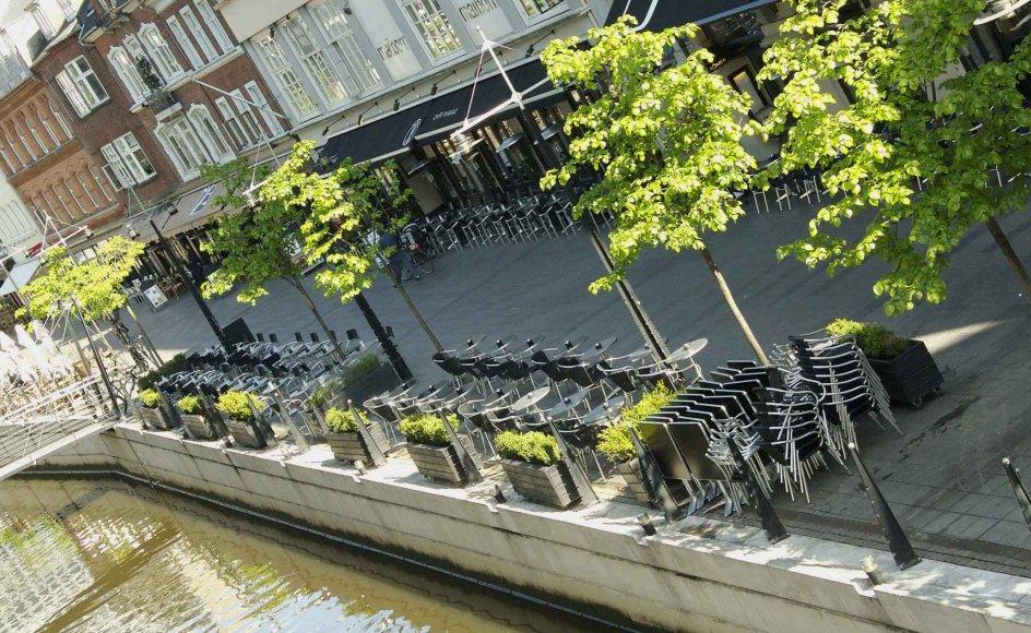 Foto fra Århus Å - i fremtiden måske stavet som Aarhus Å...eller Aarhus Aa. Foto: Colourbox.