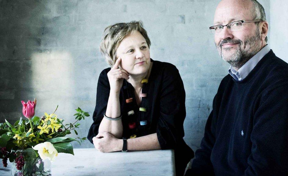 """""""Da jeg var 18 år, døde min elskede morfar. Min mor lagde igen ansvaret fra sig og kunne ikke magte at fortælle mine yngre brødre om dødsfaldet, så det måtte jeg gøre,"""" skriver Ane i brevkassen til Annette og Jørgen Due Madsen (billede)."""