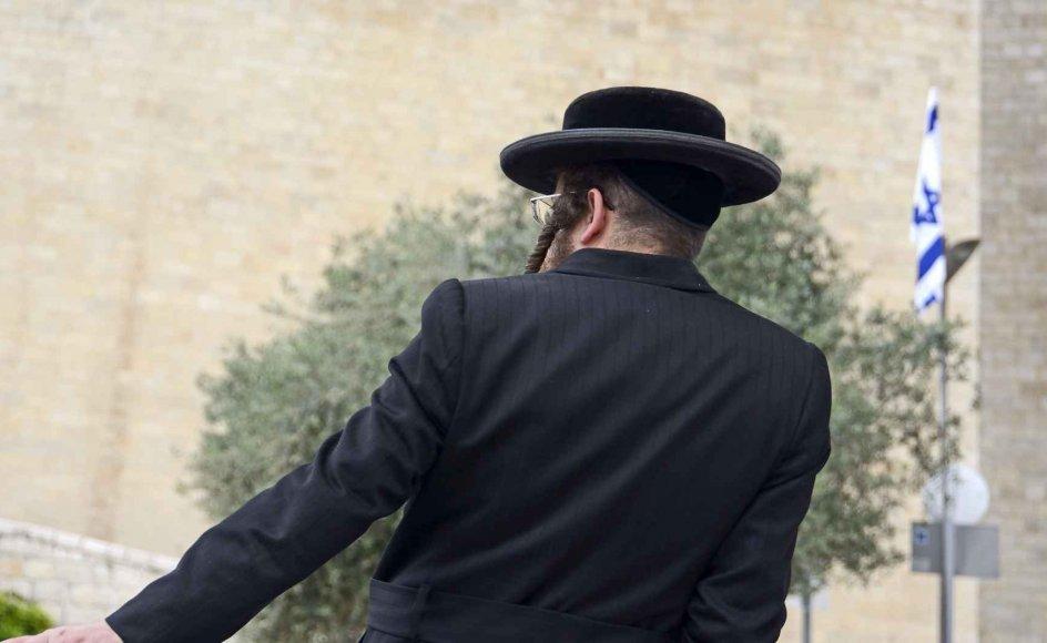 Massearrestationen mandag har skabt rystelse, men næppe overraskelse. Den er snarere et tegn på, at de høje mure, som de ortodokse rabbinere forsøger at fastholde omkring deres menigheder, for alvor er ved at blive brudt ned. Arkivfoto