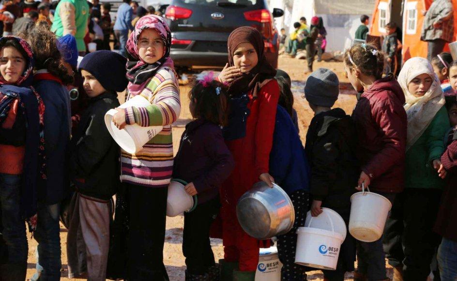 Unicef skønner, at det vil koste 23 milliarder kroner, hvis organisationen skal yde den fornødne hjælp til de 48 millioner børn, som verden over er ramt af krig eller katastrofe på anden vis, for eksempel tørke.